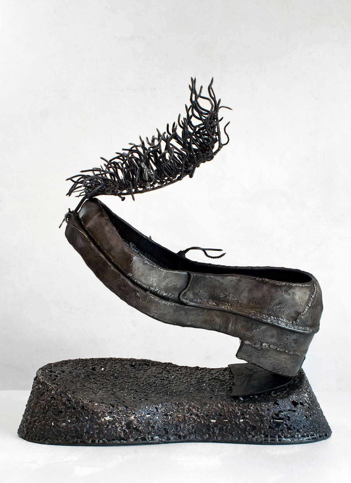 "Fortified Loafer with Shadow, steel, 2' x 1'2"" x 1'9"", 2008"
